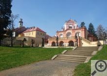 Ozdobou parku je barokní letohrádek