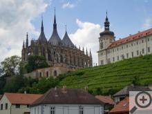Pohled na Chrám sv. Barbory a GASK/Jezuitská kolej
