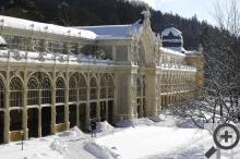 Ani nejznámější Mariánskolázeňské kolonádě se sníh nevyhýbá